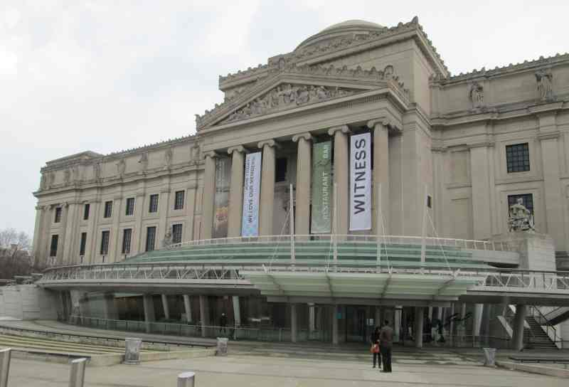 "Visiting Brooklyn Museum in the ""Heart of Brooklyn"""