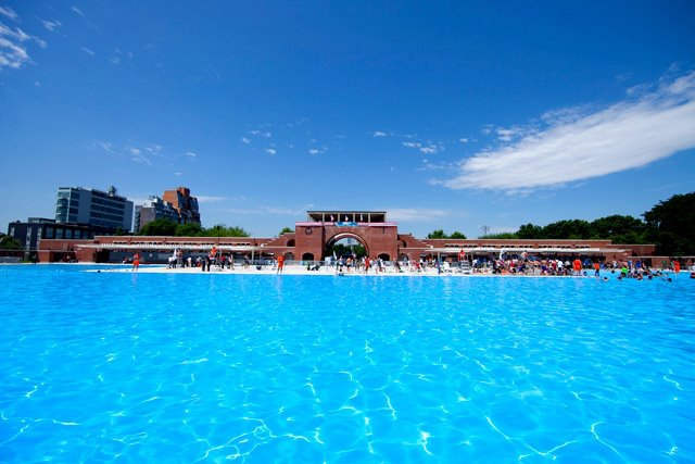 Keeping Your Cool This Summer: Pools, Splash Parks, and More
