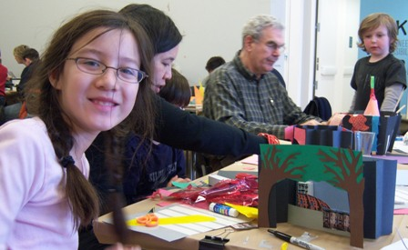 Family Day at the Center: I Love NY: Make a Tunnel Book